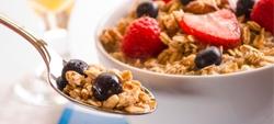 Cereais de pequeno-almoço: rótulo ajuda a escolher bem